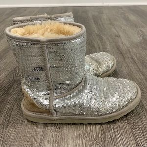 UGG Kids Silver Classic Short Sparkle Winter boots